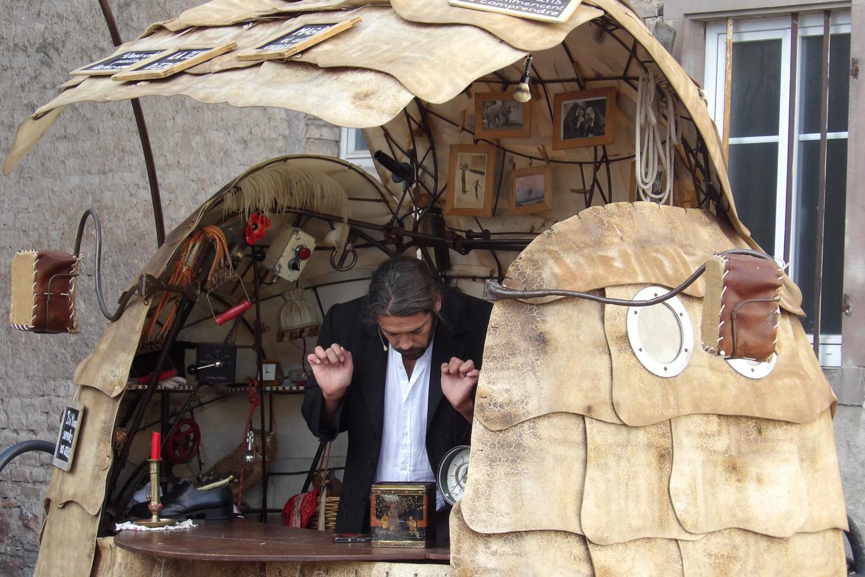 Stéphane Amos est autant magicien qu'acteur.