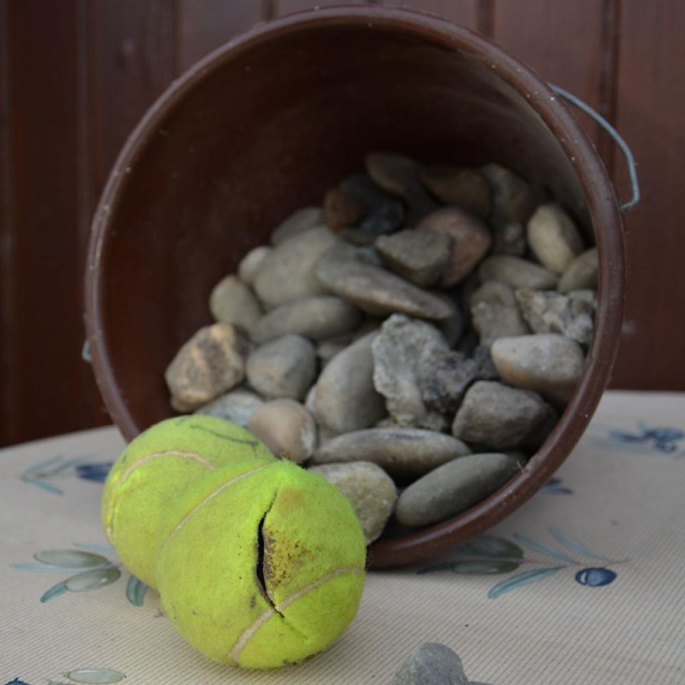 Les balles de tennis sont fendues pour abriter des produits stupéfiants.