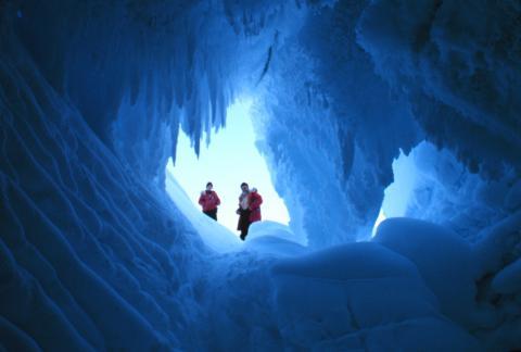 20170908-LS erebus_glacier_cave_noaa_1978.jpg