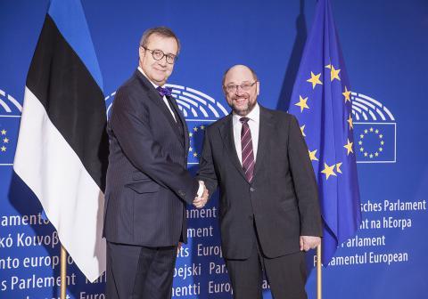 Le Président estonien accueilli par Martin Schulz au Parlement européen de Strasbourg le 2 février 2016. @RobinDroulez