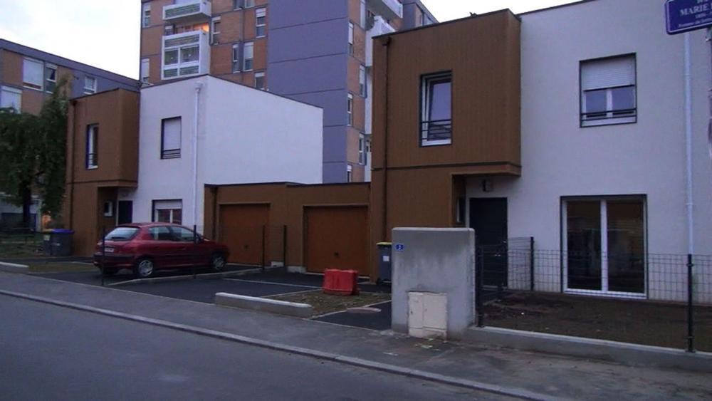 Rue Marie Hart et avenue Montesquieu, huit maisons modulaires ont été installées.