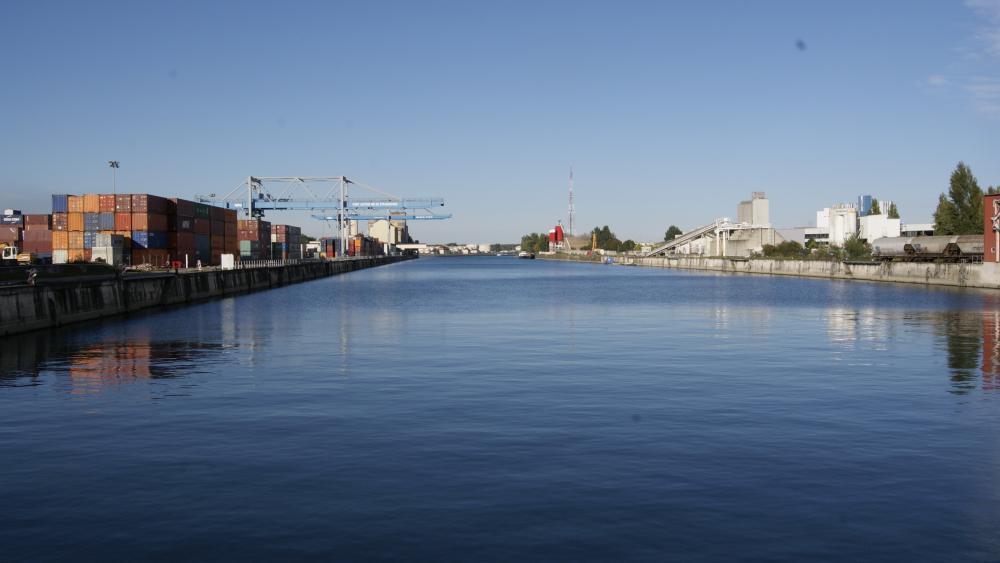 Le Bassin du Commerce dans le Port du Rhin - eldorado de pêche pour Christian Reb.
