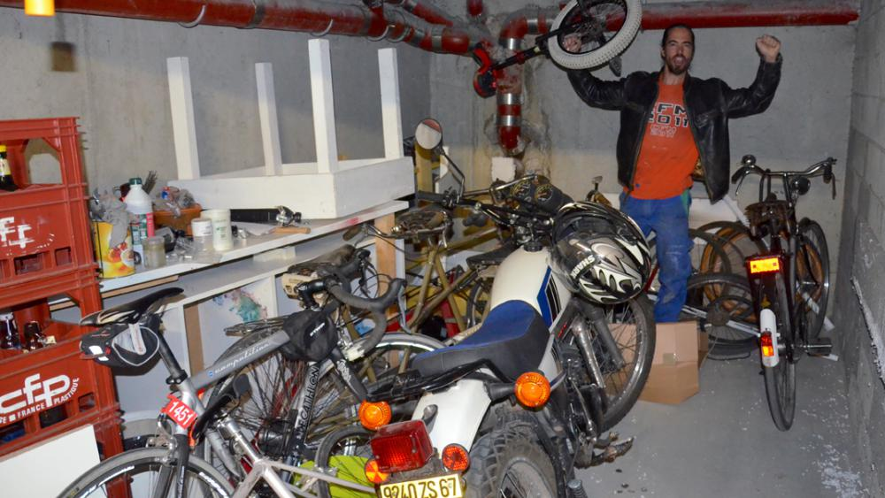 Le garage de Camille Metemberg regorge de toutes sortes de vélos.